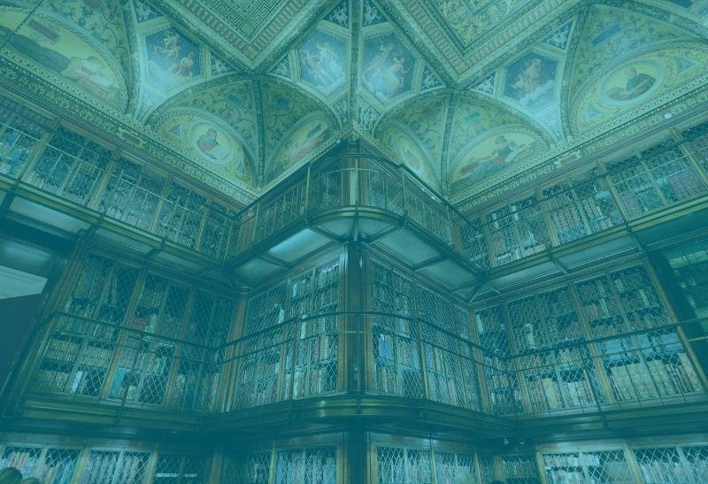 Kunstmärchen in einer Bibliothek